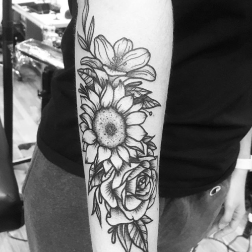 Floral forearm piece on @jennaxniiicole 🙏🏼#smokemdead #darkpearltattoo . . . . . ((¥)) #floraltattoo #tattoos #btattooing #blackworkerssubmission #iblackwork #blackwork #blackworkers #inkstinctsubmission #blacktraditionals #BLACKTATTOOMAG #blxckink #tttism #TTTpublishing #greatattoo #blackflashwork #TattooLife #darkartists #blackworkershero #wiilsubmission #traditionaltattoo #onlythedarkest #blackandgrey #occultarcana #tattoolife #oldlines #TAOT #nowash #FORMink
